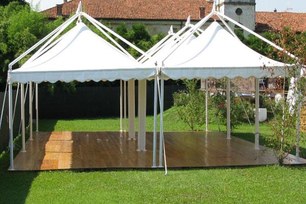Tensoitalia tensostrutture per eventi tour tourne for Capannoni in legno prezzi